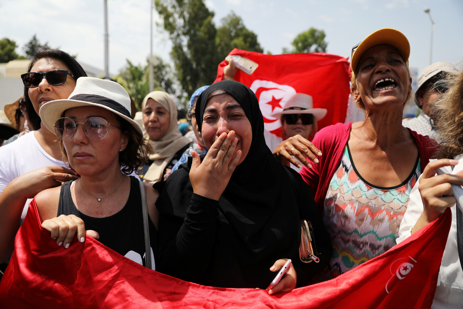 تونسیهكان به چاوی پڕ له فرمێسكهوه ماڵئاوایان له سهرۆكهكهیان كرد